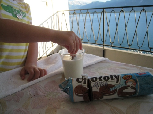 Milk and cookies, Swiss style